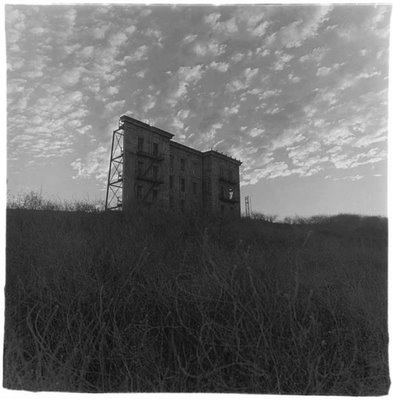 A house on a hill, Hollywood, CA. 1963 (C) Diane Arbus